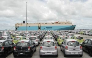 Exports totaled 111.900 vehicles in the first four month which is 31.9% less than a year ago