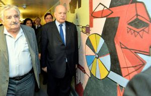 "General Insulza showed Mujica a mural painted by the recently deceased Uruguayan artists Carlos Paez Vilaró, called ""Roots of Peace,"""