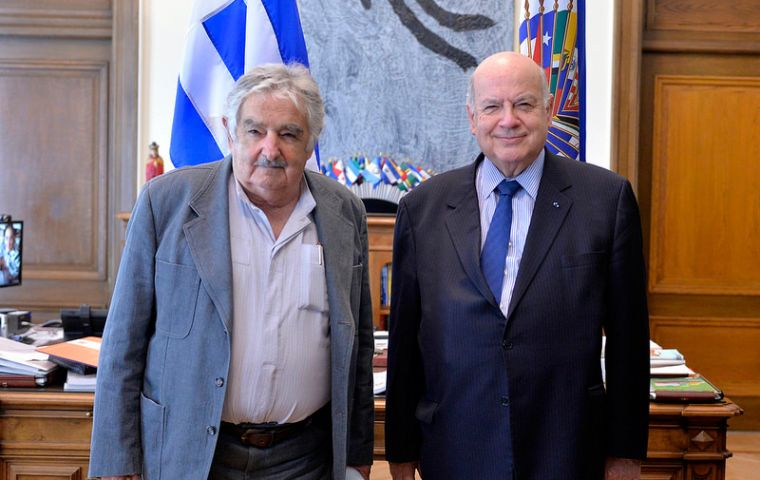 In his last day of meetings Mujica addressed the OAS Permanente Council