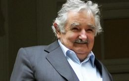 His attitude towards Argentina has been described as 'negative' by junior officials who respond to President Mujica
