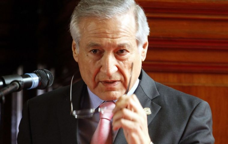 Chile's Heraldo Muñoz presented the initiative approved by all members