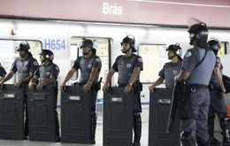 Police clashed with protestors at some closes metro stations