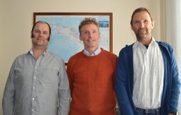 Dr Stuart Hanchet and Dr Dirk Welsford*  (pic R and lL respectively of Dr Collins) were invited to the Islands by Chief Executive and Director of Fisheries Gov. of South Georgia and  South Sandwich Is