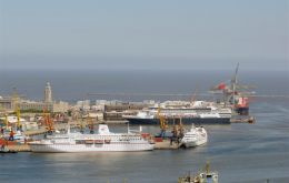 A busy day in the port of Montevideo with several cruise vessels