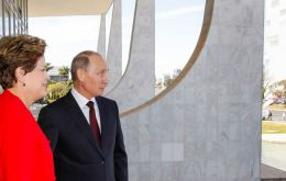 The Russian president was received with full head of state honors by Rousseff at Planalto Palace in Brasilia