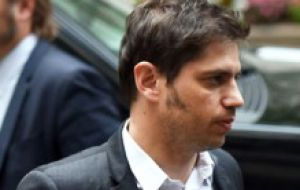 """We are in a recess and we will keep on working,"" assured Kicillof who flew to New York from Caracas for the final negotiations."