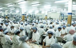 Fripur employs 1.100 people, normally is responsible for 30% of Uruguay's annual exports and currently has liabilities in the range of 70 million dollars.