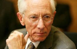 "Fischer suggested that QE along with ""forward guidance"" had helped the US economy work through the Great Recession without worse damage."