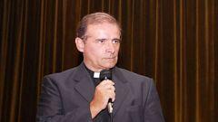 """""""Vescovi si occupano di instabilità lavorativa, licenziamenti, sospensioni e la chiusura delle fabbriche"""", ha detto Jorge Oesterheld"""