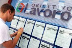 Il numero dei disoccupati in Italia è aumentato del 2,2% e da 69.000 nel mese di luglio a 3,22 milioni, che è del 4,6% su luglio 2013