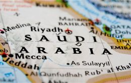 IS knows that first is to capture and secure the most important country in the Muslim world: Saudi Arabia.