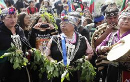 The march was to commemorate Columbus's arrival in the Americas 12 October  1492, an event indigenous peoples argue should not be celebrated as a holiday.(Pic EFE)