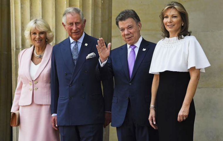 President Santos and First Lady Clemencia with the royal couple at the Nariño palace