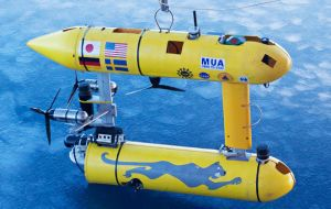 The AUV, SeaBED, was developed at the Woods Hole Oceanographic Institution (WHOI) in the US. It is about 2m in length and weighs nearly 200kg