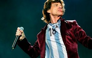 Mick Jagger and the band will arrive in Buenos Aires City on February to give a series of concerts at River Plate Monumental stadium, starting on February 15.
