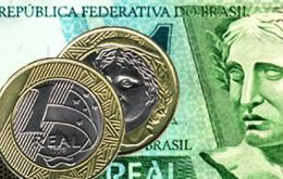 Brazil's currency slips to 2.76 against 1 US dollar
