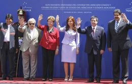 Heads of State of Mercosur full and associate member countries expressed full support to Argentina and Venezuela on Wednesday in Parana.