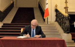 """Chancellor Timerman has signed the Condolence Book, in which Argentina condemns terrorism, and he expressed solidarity with our sister Republic of France,"""