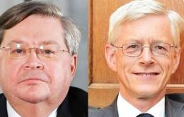 "The so-called ""hawks"" Ian McCafferty and Martin Weale had previously voted for a 0.25% rise in interest rates at each meeting of the MPC since last August"