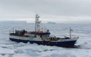The 63-metre Antarctic Chieftain longliner damaged its propeller after hitting an iceberg and was stranded about 1,500 kilometres NE of McMurdo Sound