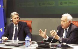 Hammond and García-Margallo talked about 'bilateral dialogue', border delays, aviation, but also addressed international pressing issues