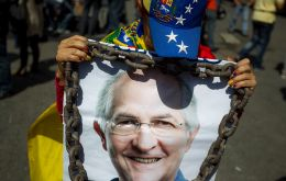 """The detention of the Mayor of Caracas, Ledezma, has caused alarm due to the way took place and because it deals with an elected leader exercising his duties."""
