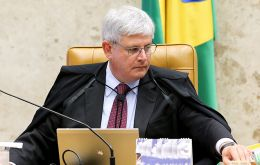 Janot's office did not release names of the politicians. Under Brazilian law, politicians and cabinet members can only be tried by the Supreme Court