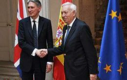 Hammond and Spain's García-Margallo during their meeting in Madrid