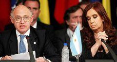 """Ministro degli Esteri argentino Timerman sostiene gli isolani sono un """"non-persone"""", mentre il presidente Cristina Fernandez si riferisce ai Islanders Falkland come """"abusivi""""."""