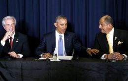 Vazquez, Obama and Costa Rica's president Solis during the meeting with social activists and civil leaders
