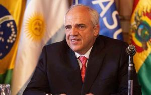 "Secretary General Ernesto Samper is scheduled to present the first 'State of Unasur' balance under the heading ""From Vision to Action"""