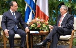 The French president met with his peer Raul Castro and also with Fidel Castro, the emblematic leader of the Cuban 1959 revolution