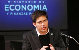 On Thursday, the Clarin media group and other media outlets reproduced an article that claimed Kicillof's salary as YPF director was 400.000 Pesos.