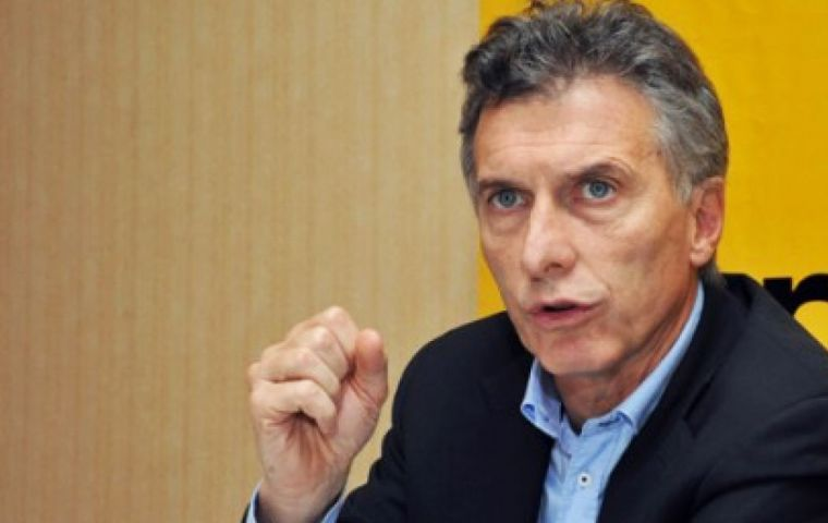 The Congressional index (2.1%) is closer to that of Buenos Aires City, 2.4%, ruled by opposition presidential hopeful Mauricio Macri