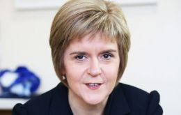 Sturgeon is proposing that the four UK nations: England, Scotland, Wales and Northern Ireland-, should leave the EU only if all of them agree to do so.