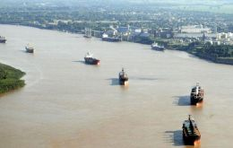 Rosario is responsible for shipping 70% of Argentina's oil seeds and grains and the current industrial conflict has over 100 vessels delayed