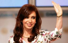 """More than 30% is very large,"" said Equis director Artemio López, noting Cristina Fernandez' Victory Front (FpV) party's positive image is now at 33%."