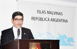 Ambassador Cerda in Saudi Arabia gave a conference on Argentine claims over Falklands' sovereignty and revealed the existence of a support group