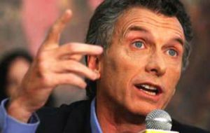 Last Sunday, opposition leader Macri toned down his political platform, praising some of the policies defended by Kirchnerism.