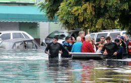In the north of the province, around 11,000 remained evacuated as a result of the rise of the Lujan, Arrecifes, Salto, Areco and Matanza rivers