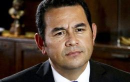 TV comedian Jimmy Morales, who has never held elective office, was leading with 26.5% of the vote.