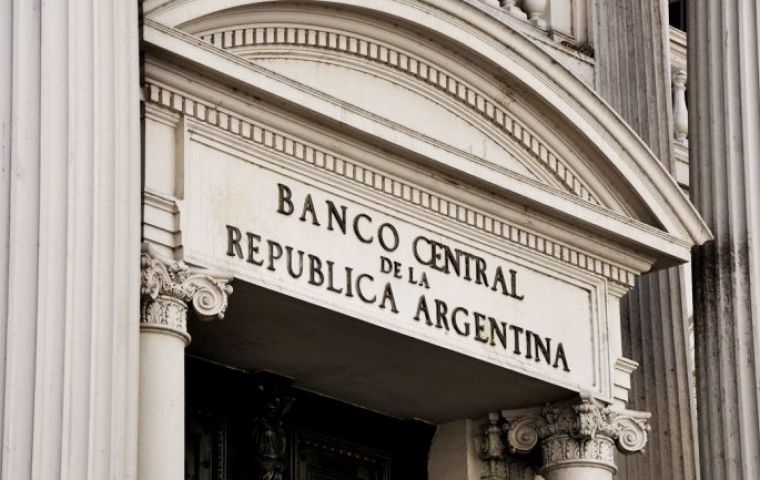 Argentina on Monday disbursed US$5.9 billion from its Central Bank reserves to cancel the Boden 2015 bond series, which matured on Saturday.