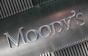 Moody's sees the contraction as too little to make a in the global supply gut; it forecasted oil price for 2016 to just $48 per barrel.