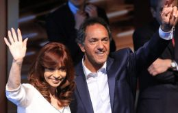 The president reappeared with Victory Front (FpV) hopeful Daniel Scioli as he campaigns hard to replace her at Government House.