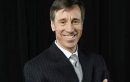 Marriott CEO Arne Sorenson will remain CEO of the combined company. Deal is expected to close in 2016, following shareholder and regulatory approvals.
