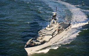 HMS Clyde has changed course in order to aid the evacuation operation.
