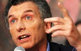 "Interviews revealed that ""32% are convinced that if (wealthy) Macri is elected president he will benefit the rich""."