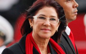 Soon after Cilia Flores was elected President of the National Assembly in 2006, she fired 46 employees from the legislative body and hired 47 relatives