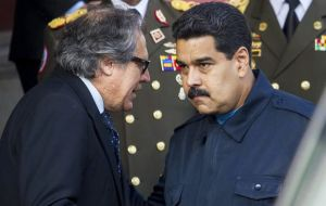 "Maduro (R) has repeatedly clashed with Almagro and following this last incident he furiously referred to the OAS chief as ""Mr. Rubbish."""