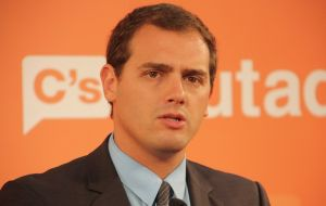 "Ciudadanos leader Rivera said Socialists should be ""responsible"" and allow the Popular Party to govern in a minority to avoid early elections"